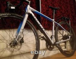 Large'Giant' Toughroad GXSLR1 Hybrid Road Bike Tubeless Tires Rear Pannier Rack
